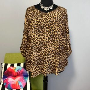 Torrid Leopard Smocked Shirttail Blouse Top NEW 3
